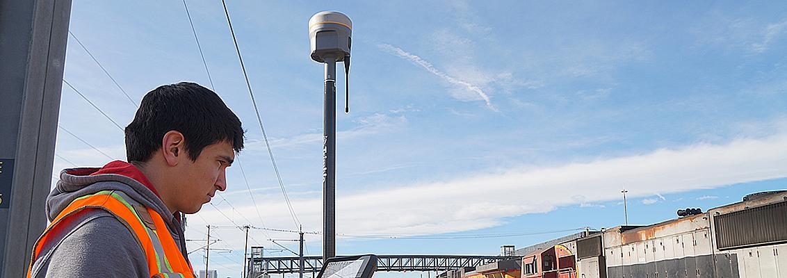 Head_R10 Trimble R10 GNSS-vastaanotin